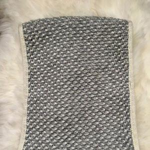 Banana Republic Silver White Knit Infinity Scarf